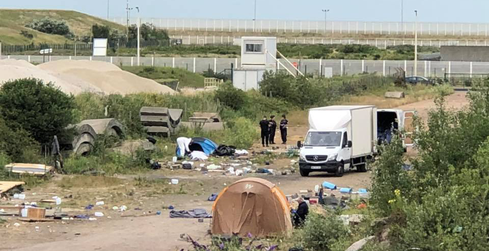 Calais settlement cleared, possessions destroyed – again