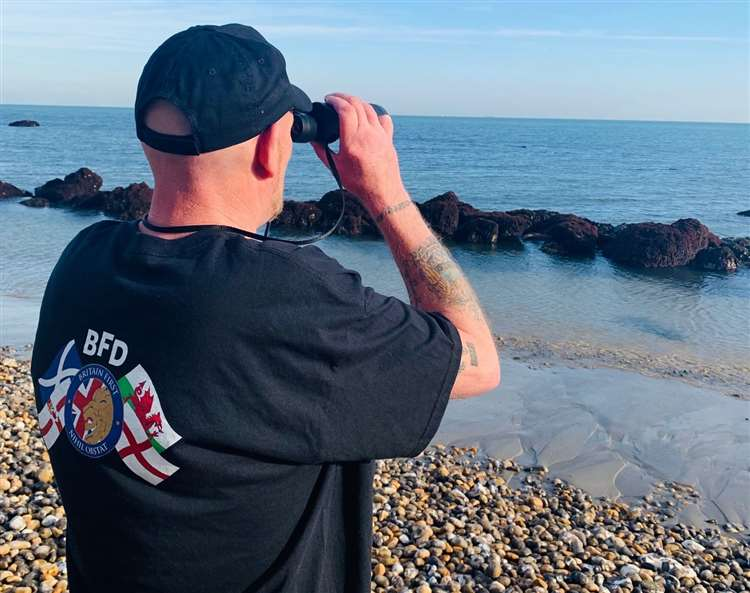 Britain First start beach patrols for migrants in Dover