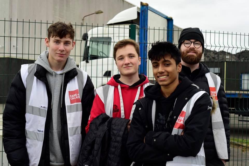 Volunteers distribute 300 food packs at rainy Brussels Park