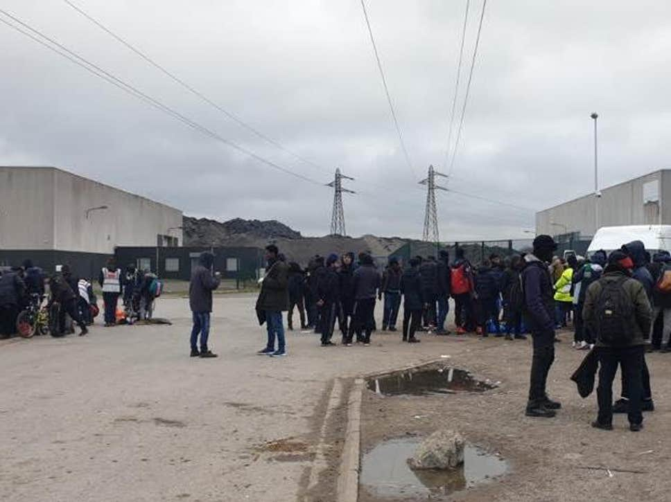 Thousands at risk of COVID-19 in French camps