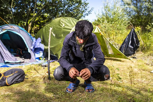 Daily Mirror speaks to teenage refugees in Calais