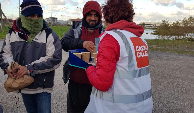 Six NGOs urge France to undo Calais food ban