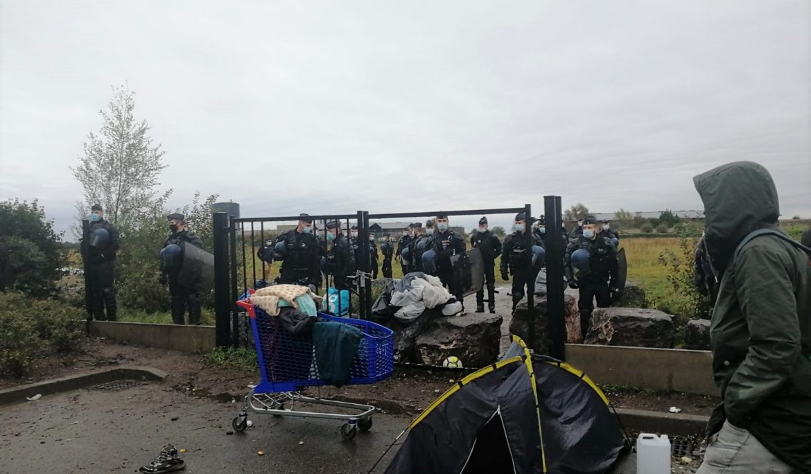 Police action in Calais leaves Eritrean man hospitalised