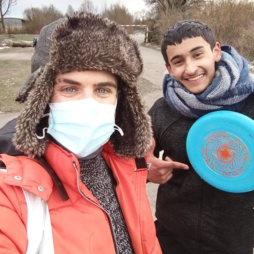 A game of Frisbee with friends in Calais