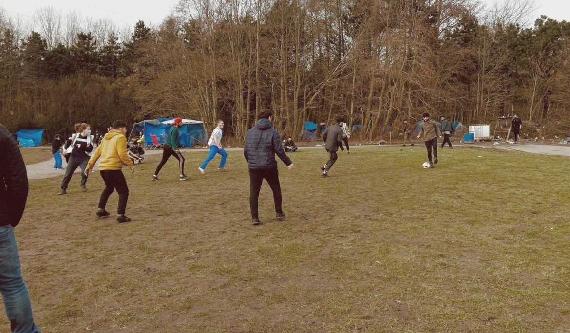 Football matches in Calais: Gharfill's time volunteering