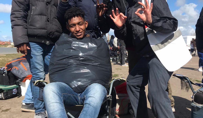 Providing haircuts and phone charging in Calais
